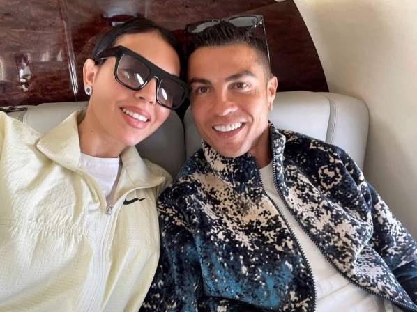 Georgina, junto a Ronaldo, en una de las últimas imágenes que ha difundido la pareja en sus redes sociales.