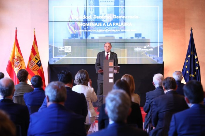 Homenaje a Manuel Giménez Abad. (FOTO: Gobierno de Aragón)