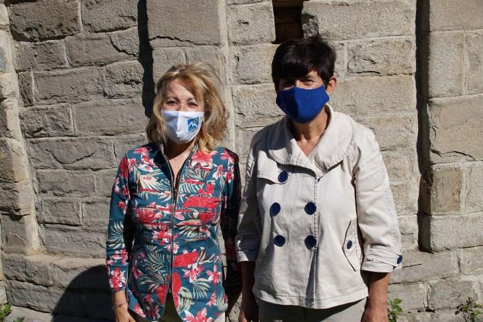El Alto Gállego recibe al verano con una intensa agenda cultural que llegará a 19 pueblos. Lourdes Arruebo e Isabel Manglano han presentado la programación en San Juan de Busa. (FOTO: Rebeca Ruiz)