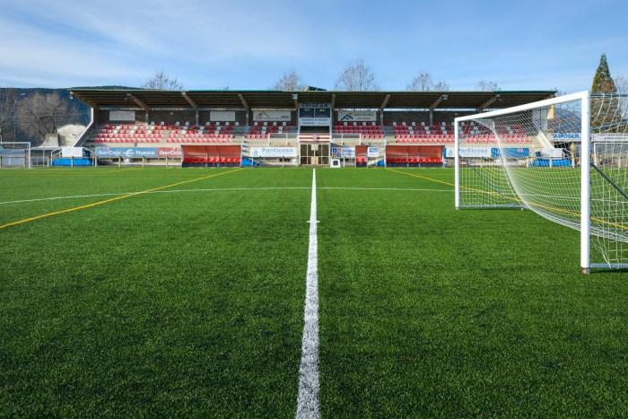 Todo listo para el primer Campus de Fútbol Base Sabiñánigo, con 44 participantes. Campo de Fútbol Joaquín Ascaso. (FOTO: Ayuntamiento de Sabiñánigo)