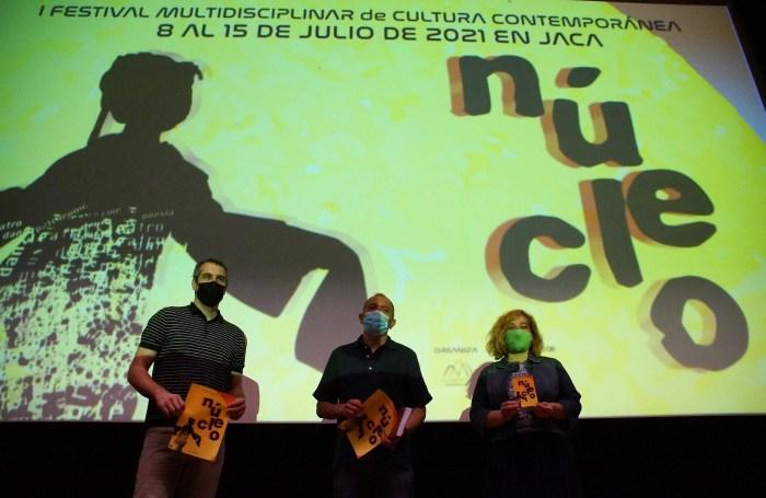 Nace en Jaca el festival de cultura contemporánea Núcleo, una apuesta por la creación local. Mur, Acín y Moratinos, durante la presentación. (FOTO: Rebeca Ruiz)