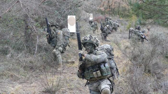 Clausura de los cursos de Escuela Militar de Montaña y Operaciones Especiales de Jaca