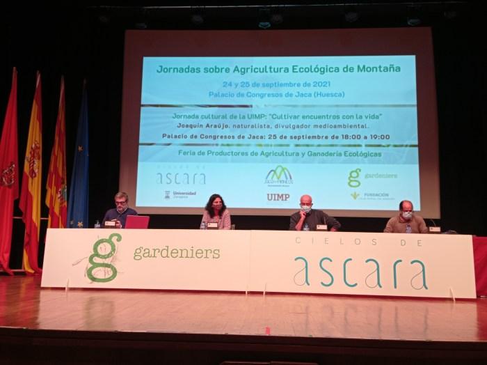 Agricultura, distribución, turismo y gastronomía en clave ecológica en Jaca. Un momento de la segunda jornada.