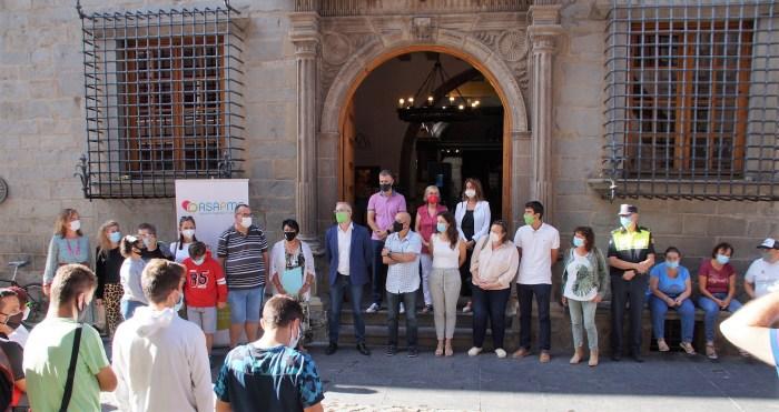 Jaca y La Jacetania se suman al Día Mundial para la Prevención del Suicidio. Un momento del acto (FOTO: Rebeca Ruiz)