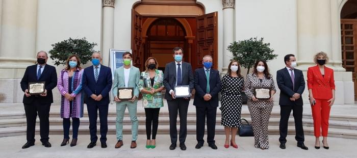 Álex Gállego recibe la placa al Mérito de Protección Civil por salvar a una niña