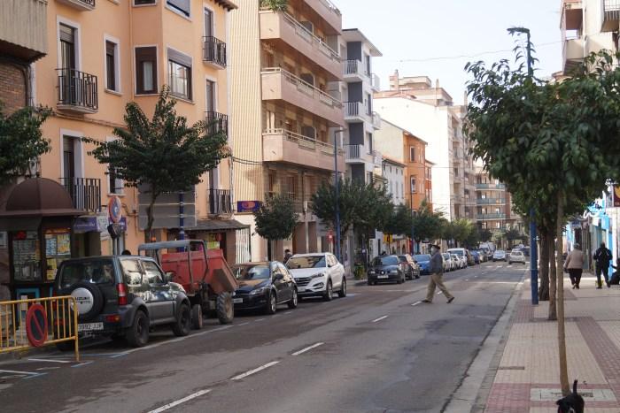 El Ayuntamiento de Sabiñánigo quiere conocer la opinión de sus vecinos sobre el turismo. La Calle Serrablo de Sabiñánigo, en una imagen de archivo. (FOTO: Rebeca Ruiz)