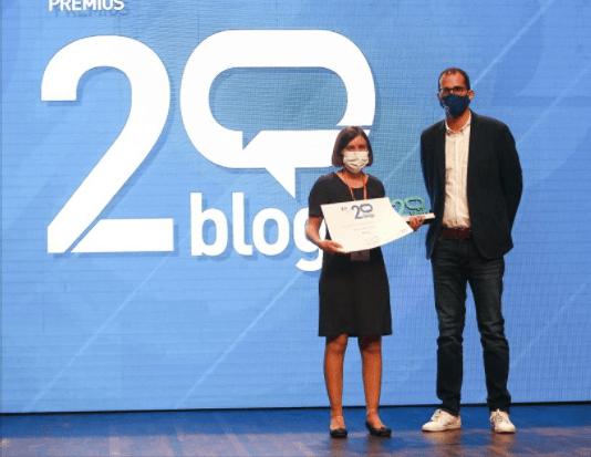 Lucía López, de Navasa, reconocida en los Premios 20blogs por Mallata.