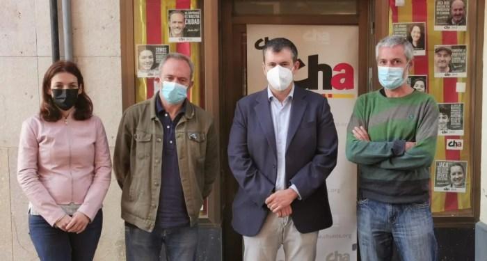 CHA apoya la nieve como motor de desarrollo, pero pide un debate sobre el modelo actual. De izquierda a derecha, Laura Climente, Javier Acín, Joaquín Palacín y José Ramón Ceresuela.