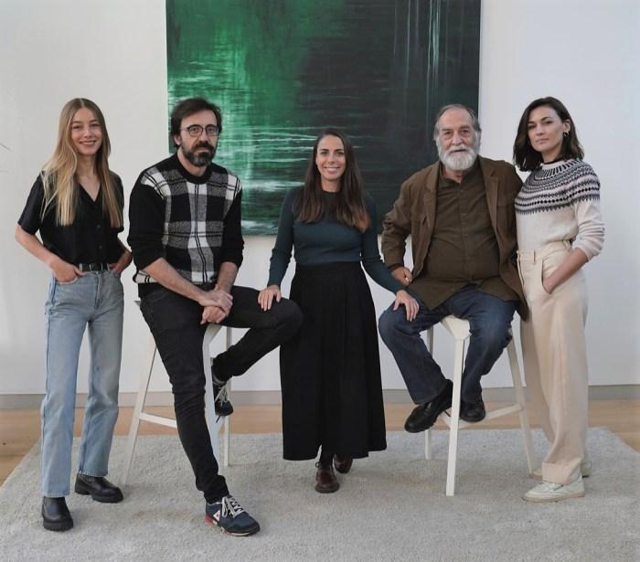 De izda. a dcha., Charlotte Vega, Israel Elejalde, Estefanía Cortés, Ramón Barea y Marta Nieto.