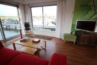 Logeren op de jachthaven in B&B Livingonwater.nl