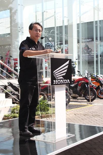 BigWing #1 – Sigit Kumala, Chief Executive Astra Motor memberikan sambutan dalam Grand Opening Honda Big Wing Showroom Astra Motor Center Yogyakarta.