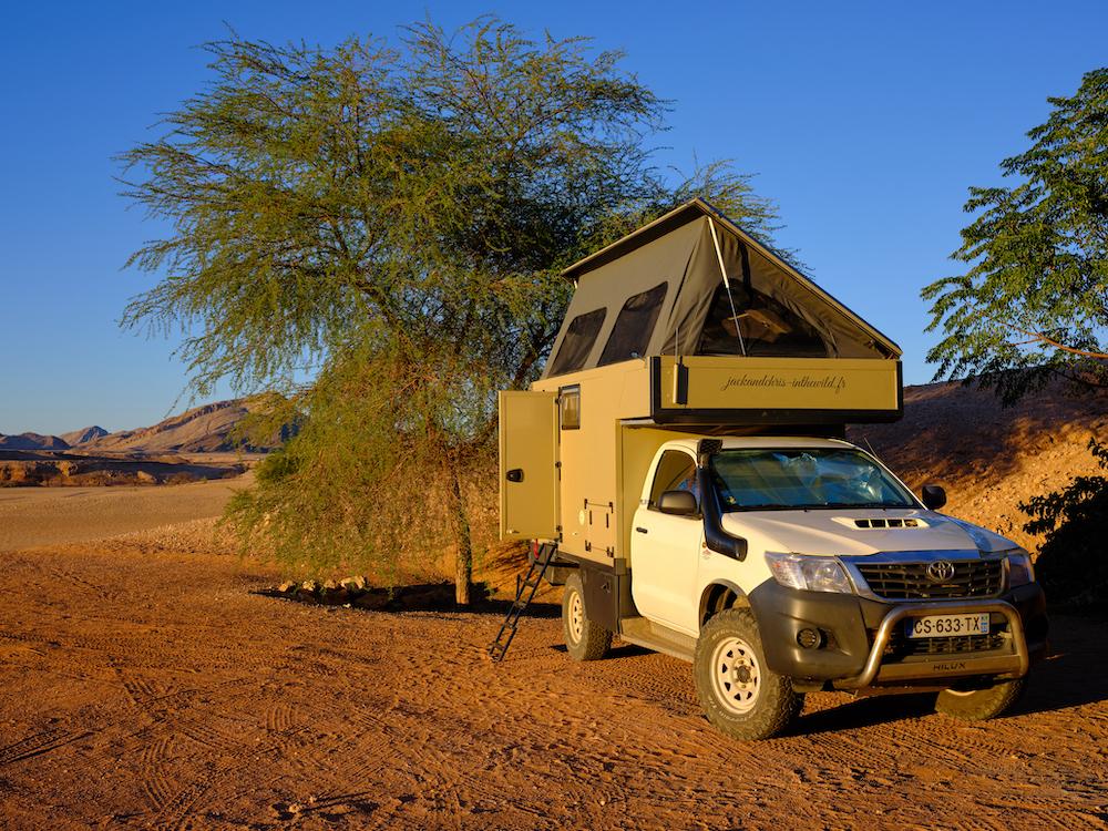 Seul dans le Namib
