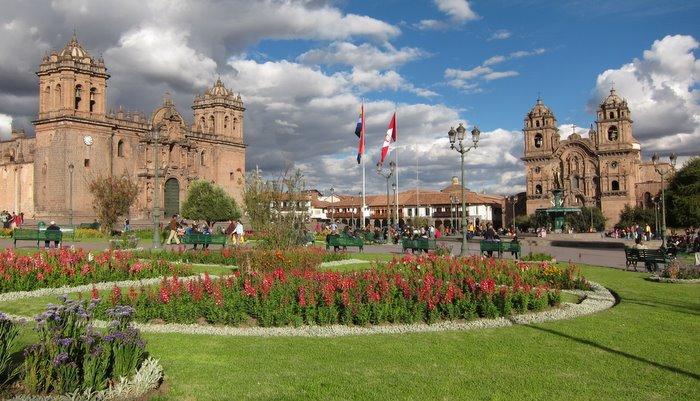 Cusco Plaza del Arma