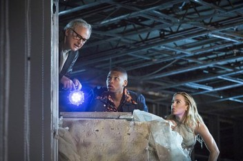 "DC's Legends of Tomorrow -- ""Pilot, Part 2"" -- Image LGN102a_0248b -- Pictured (L-R): Victor Garber as Professor Martin Stein, Franz Drameh as Jefferson ""Jax"" Jackson and Caity Lotz as Sara Lance/White Canary -- Photo: Jeff Weddell/The CW -- © 2015 The CW Network, LLC. All Rights Reserved."