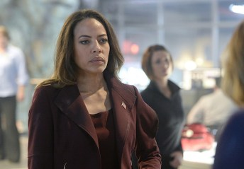 """Strange Visitor From Another Planet"" -- Kara must help Hank face his painful past when a White Martian, a member of the alien race that wiped out his people, kidnaps Senator Miranda Crane (Tawny Cypress), an anti-alien politician, on SUPERGIRL, Monday, Jan. 25 (8:00-9:00 PM, ET/PT) on the CBS Television Network. Photo: Darren Michaels/Warner Bros. Entertainment Inc. © 2015 WBEI. All rights reserved."