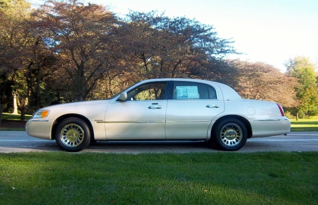 2000 Lincoln Town Car Cartier Of Mccarthy Broughams And Other