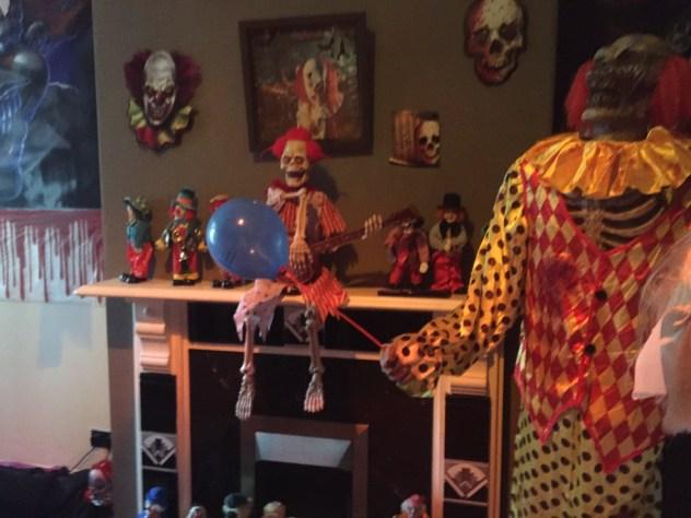 clown-living-room