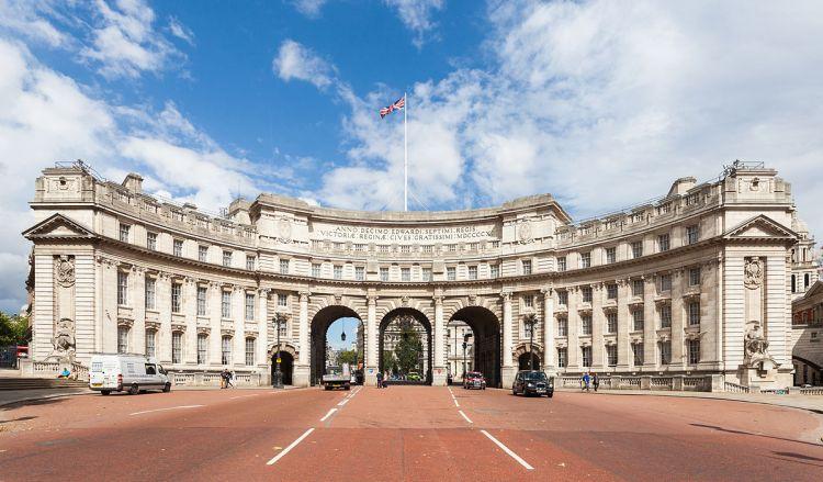 Arco_del_Almirantazgo,_Londres,_Inglaterra,_2014-08-11,_DD_186