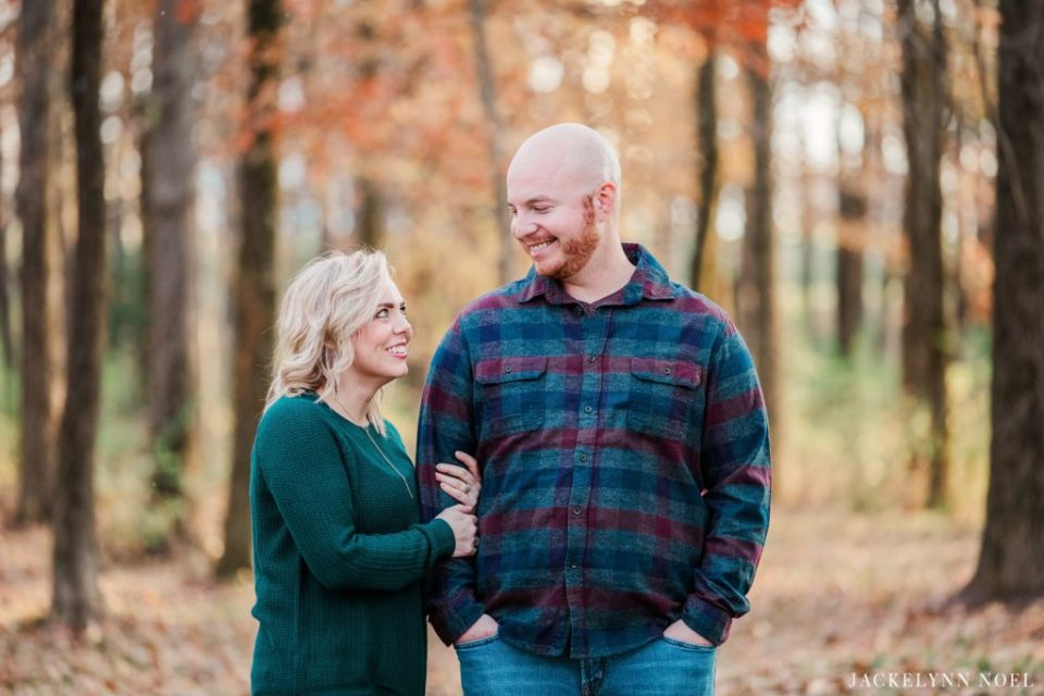 Big family photos at Silver Lake in Highland Illinois by Jackelynn Noel Photography