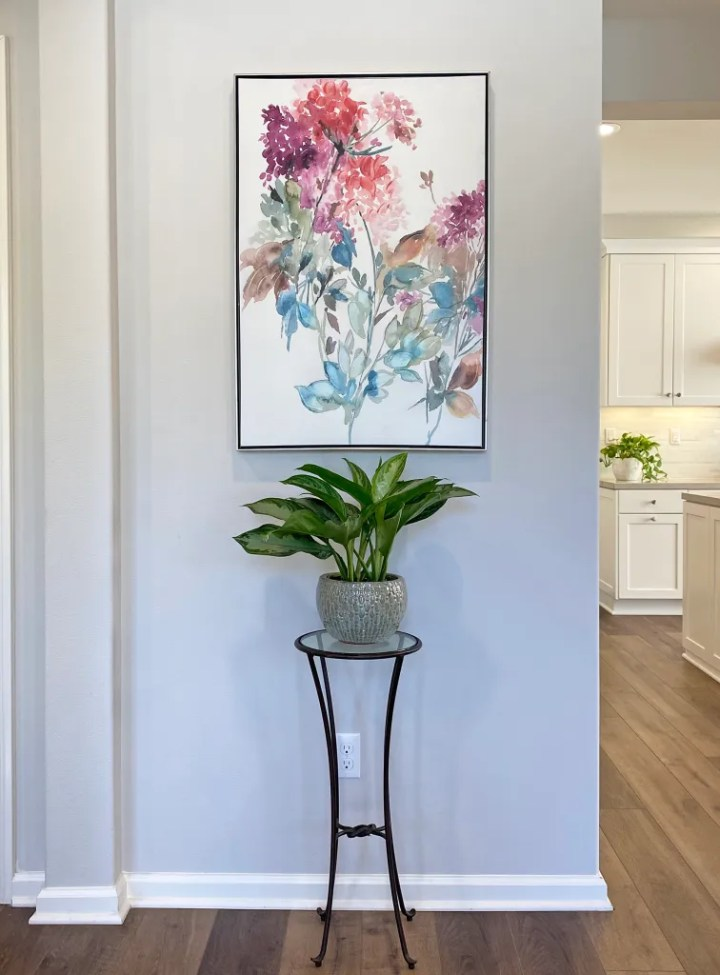 Art and Plant at Entry Home Staging