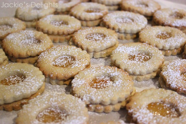 almond linzers.4