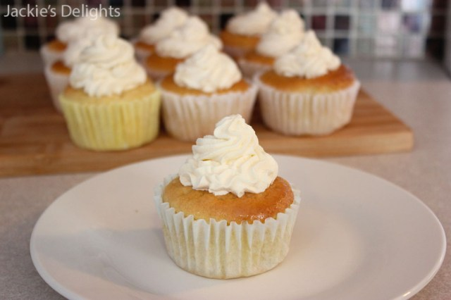 tres leches cupcakes.5