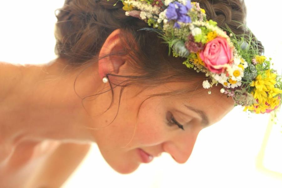 Blumen im Haar - Der schönste Tag mit Jackis Blumen