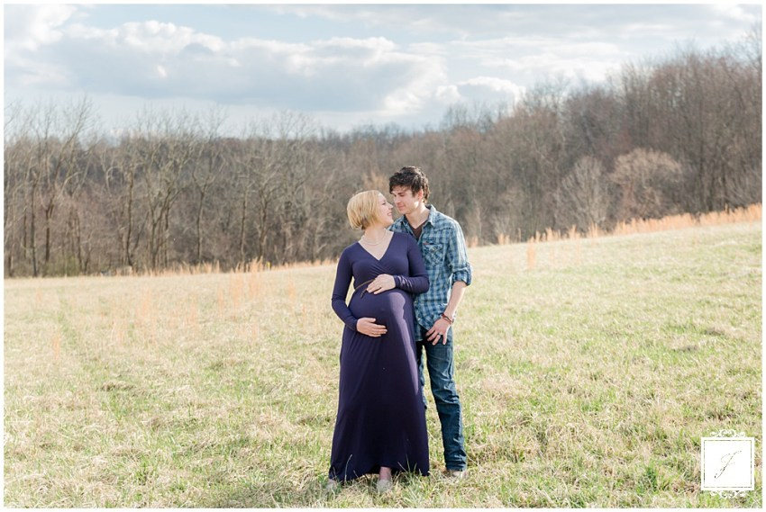 Crystal & Charlie's Early Spring Maternity Mini Session with Greensburg Portrait Photographer