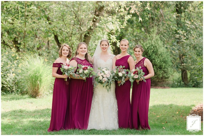Burgandy-Fall-Bella-Sera-Pittsburgh-Wedding-Venue-Jackson-Signature-Photography-Pittsburgh--Pennsylvania-Travel-Destination-Small-Wedding-Elopement-Photographer-,