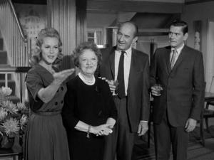 1x14-Samantha-Meets-The-Folks-bewitched-16654403-640-480