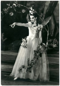 Vivien_Leigh_as_Titania_(A_Midsummer_Night's_Dream)_1937