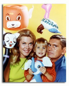 ss3456635_-_elizabeth_montgomery_as_samantha_stephens_serena_erin_murphy_as_tabitha_stephens_dick_york_as_darrin_stephens_1_from_bewitched_luxury_poster_or_photograph_buy___34558