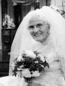 Judith_Lowry_Mother_Dexter_Wedding_Phyllis_1976