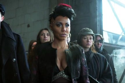 promo-for-gotham-last-two-episodes-sees-the-return-of-fish-mooney