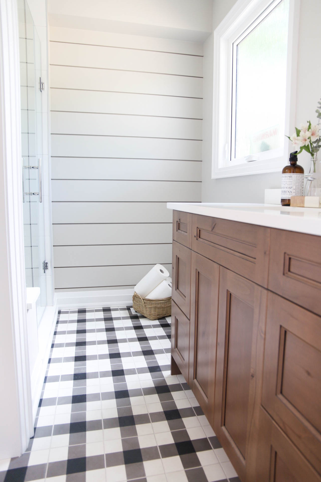 Harper Designs - Modern Bathroom by Jaclyn Harper
