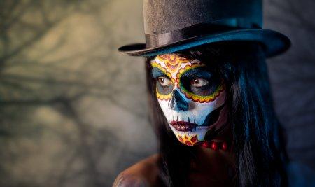 Tattooed skull girl