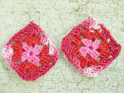 pink / red / variegated pink granny square earrings