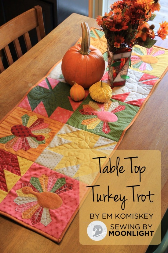 Free Turkey Table Runner Pattern - perfect for Thanksgiving - applique