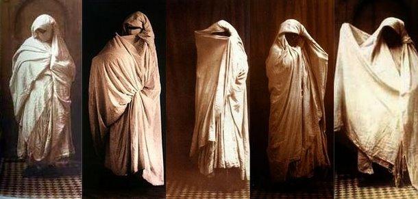 Les voiles drapés de Gaëtan Gatian de Clérambault