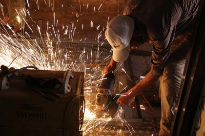 la fin du salariat ? la fin de la valorisation du travail manuel