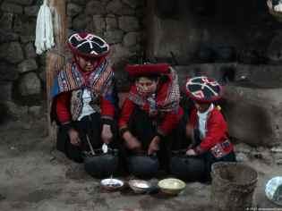 At Chinchero, we were shown the die process of lama and alpaca wool.