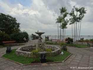 Casco Viejo shore