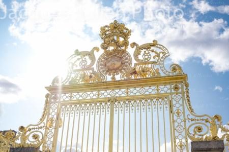 Portail doré du Château de Versailles – Photo stock