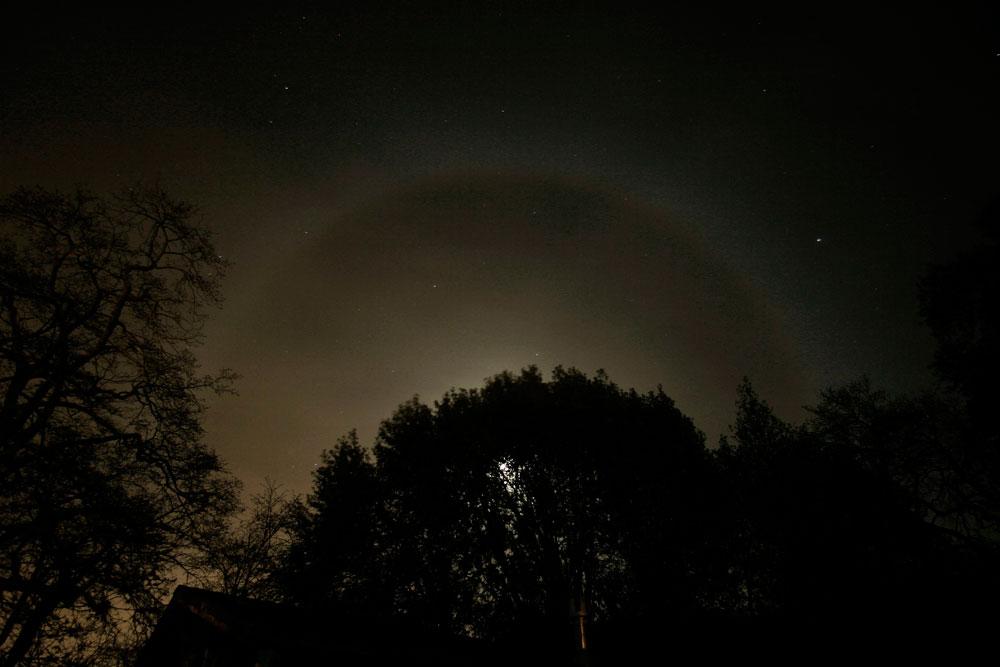 moon over fairfax by Gary Leo