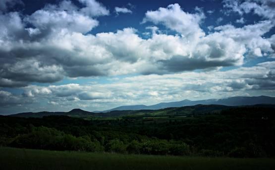 Panorama na Grzbiet Mały Gór Kaczawskie i Karkonosze
