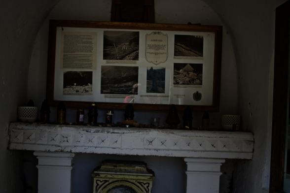29 lipca 1897 roku olbrzymie opady deszczu spowodowały zejście w Obřím dole lawin kamienno-błotnych i powodzi, w wyniku których śmierć poniosło siedmiu tutejszych mieszkańców oraz zniszczeniu uległy dwa domy. Lawina ta miała wtedy 750 metrów długości i 70 metrów szerokości. W tym miejscu znajdowała się również klauza do spławiania drewna pozyskiwanego w Obřím dole.