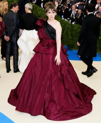 Lenna Dunham is the Queen of Tartan in this maroon and black ball gown