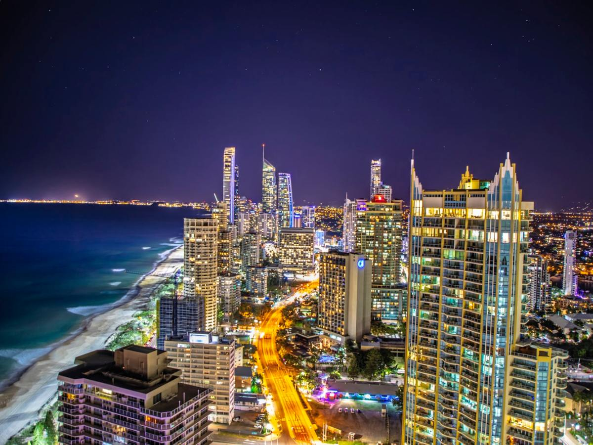 book cheap flights to Gold Coast