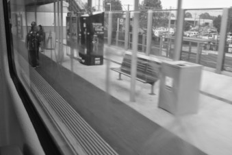 Sydney, moving train (15)
