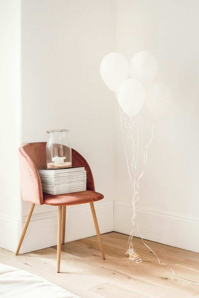 Minimalistic Chair • Birthday Balloons